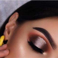 24 Sexy Eye Makeup Looks Give Your Eyes Some Serious Pop - Sexy eye makeup