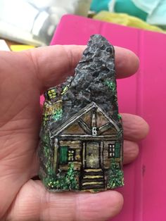 Rock Crafts, Crafts To Do, Clay Fairy House, Fairy Houses, Painted Rocks, Hand Painted, Clay Fairies, Rock And Pebbles, Rock Painting Designs