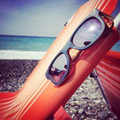 Sunny! #ecolution #raleri Long Board Sunny #wooden #sunglasses #eyewear #summer #beach #outfit #fashion #mirror #wood