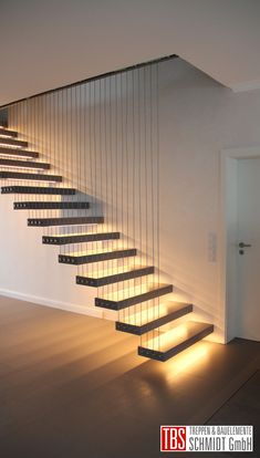 Die Kragarmtreppe - designed by TBS Staircase Design Modern, Home Stairs Design, Interior Stairs, Modern Design, Small Space Stairs, Backyard Guest Houses, Open Trap, Escalier Design, House Stairs