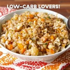 This Low-Carb Cauliflower Stuffing Proves Bread Is So Overrated Vegetarian Recipes Videos, Healthy Recipe Videos, Vegetable Recipes, Diet Recipes, Cooking Recipes, Healthy Recipes, Low Carb Stuffing, Stuffing Recipes, Best Stuffing Recipe