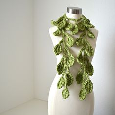 Love this! I might have to learn to crochet ...@Janet Wiedemann - can you teach me that too?!?!  :-)