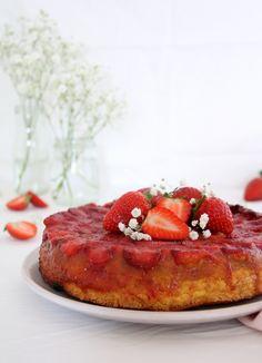 Gâteau renversé Fraises - Mascarpone Mascarpone Cream Cheese, Waffles, French Toast, Fruit, Breakfast, Cake, Desserts, Food, Strawberry Upside Down Cake