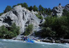 River Raften in der Rheinschlucht, Surselva. Mount Everest, River, Mountains, Families, Landscape, Summer Recipes, Rivers, Bergen