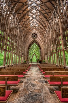 My favorite place in the world- Glass Chapel in Eureka Springs, Arkansas. So glad Fay Jones built a glass chapel in Ft. Chapel In The Woods, Place Of Worship, Kirchen, Amazing Architecture, Organic Architecture, Architecture Design, Rhino Architecture, Creative Architecture, Church Architecture