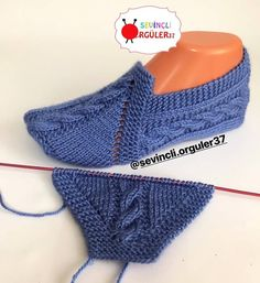 Image gallery – Page 418623727862100479 – ArtofitSuper Easy Slippers to Crochet or to Knit Easy Knitting Patterns, Knitting Stitches, Knitting Socks, Free Knitting, Knitting Projects, Baby Knitting, Crochet Patterns, Knitted Booties, Knitted Slippers