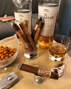 Cigars and scotch Aged Whiskey, Cigars And Whiskey, Photo Pour Instagram, Cigar Room, Cigar Bar, Good Cigars, Pipes And Cigars, Cigar Smoking, Liquor