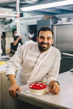 Σπύρος Πεδιαδιτάκης: Ο πολυβραβευμένος new age pastry chef φτιάχνει ένα πασχαλιάτικο γλυκό για τη LiFO | LiFO New Age, Recipes, Food, Style, Swag, Essen, Meals, Ripped Recipes, Eten