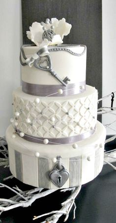 Love, Locks and Key Wedding Cake
