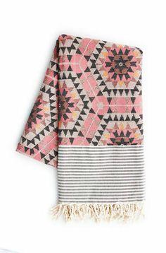 Quince Living - House of Rym Heavenly Honeycomb Rose Blanket Textiles, Aztec Blanket, Pink Blanket, Boho Throw Blanket, Beach Blanket, Br House, Genius Ideas, Tapis Design, Home And Deco