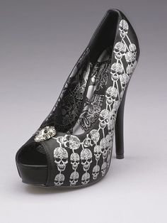 I need these!!!!!  They'd go great with the dress that I'm seriously considering for my wedding!