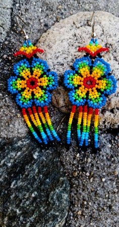 Beautiful Earrings made by Huicholes from Jalisco, Mexico. Beaded Earrings Native, Tribal Earrings, Seed Bead Earrings, Earrings Handmade, Seed Beads, Crochet Earrings, Handmade Jewelry, Paper Quilling Jewelry, Micro Macrame