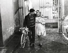 Catherine Deneuve The Umbrellas of Cherbourg (Les parapluies de Cherbourg Jacques Demy 1964)