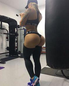 Victoria Lomba
