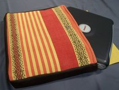 Laptop cover from place mats! Some cuter place mats would make this SO CUTE!
