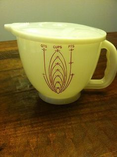 Vintage Tupperware Mix-N-Stor 2 Qt Measuring Cup Bowl w/ Lid Great Condition