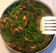 French Green Beans Sauteed With Mushrooms And Almonds Recipe - Food.com