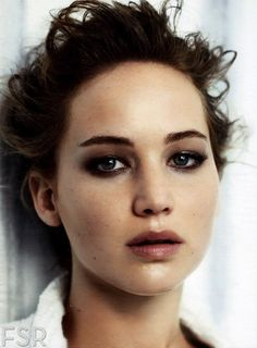 smokey eye l jennifer lawrence.