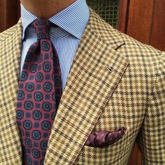 The Gentleman's Guide: Pattern Mixing Mens Fashion Blog, Mens Fashion Suits, Mens Suits, Gentleman Mode, Gentleman Style, Vetements Clothing, Tweed Run, Mode Costume, Herren Outfit