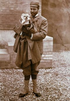 George V.  Those royals love their dogs!