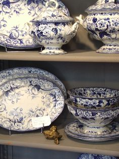 french collectibles – blue and white flora – MY FRENCH COUNTRY HOME the flora collection of blue and white creil Blue Dishes, White Dishes, Blue And White China, Blue China, China China, French Decor, French Country Decorating, Cottage Decorating, My French Country Home