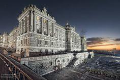Madrid Palacio Real by delreycarlos, via Flickr Descubrelo en moto con www.motoandgo.es