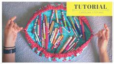 Tutorial - Drawstring bag Diy Bag and Purse diy makeup bag Diy Makeup Bag Tutorial, Makeup Bag Tutorials, Cosmetic Bag Tutorial, Sewing Tutorials, Sewing Crafts, Sewing Projects, Diy Tutorial, Purse Tutorial, Sewing Toys
