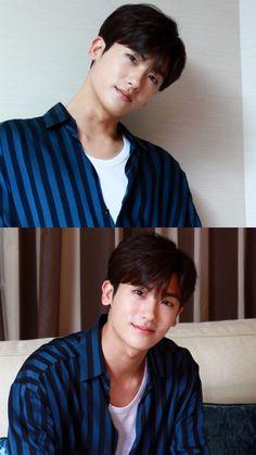 Hyungsik.. so cute here.. SubhanAllah.. hemmm Korean K Pop, Korean Star, Korean Men, Korean Drama, Park Hyungsik Lockscreen, Asian Actors, Korean Actors, Ahn Min Hyuk, Park Hyung Shik