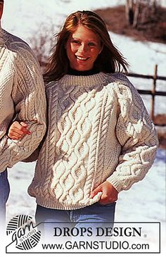 Sweater with Raglan sleeves pattern by DROPS design Ladies Cardigan Knitting Patterns, Aran Knitting Patterns, Free Knitting, Finger Knitting, Scarf Patterns, Knitting Tutorials, Aran Sweaters, Sweaters And Leggings, Cable Sweater