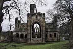 The east end of Kirkstall Abbey.  _ igw_gothika #abbey #visitengland #tv_churchandgraves  #sombresociety #instabritain #church_masters #medieval #leeds #jj_architecture #total_churches #kirkstall #igw_sepulcrum #kirkstallabbey #thehub_church #church #england #yorkshire #churches #infinity_churches #priory #igersyorkshire #medievalworld #total_medieval #igersengland #monumental_world #ruins #the_great_gothic_world #sombrexplore #architecture