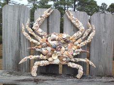 Items similar to Seashell Blue Crab Wall Hanging / Maryland Blue Crab Art / Chesapeake Bay Blue Crab Decor on Etsy Seashell Projects, Seashell Crafts, Beach Crafts, Seashell Art, Driftwood Seahorse, Ocean Crafts, Driftwood Art, Coastal Wedding Centerpieces, Decor Wedding