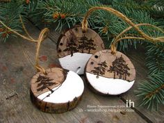 Rustic Diy Winter Ornaments Design Inspirations - Page 14 of 39 Wooden Christmas Decorations, Christmas Wood, Homemade Christmas, Christmas Projects, Christmas Trees, Ornaments Design, Wood Ornaments, Diy Christmas Ornaments, Natal Diy