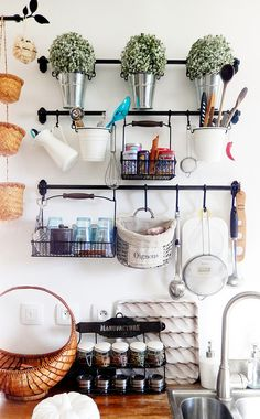 Kitchen Shelving For the Home - Life ideas Ikea Kitchen, Kitchen Shelves, Cupboards, Kitchen Ideas, Kitchens And Bedrooms, Home Kitchens, Farmhouse Style Kitchen, Country Kitchen, Fintorp Ikea