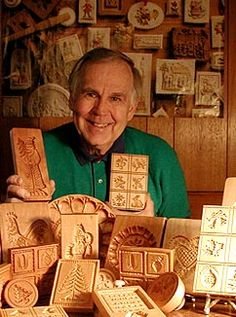 Hand-carved, wood cookie molds, wood cookie stamps, wooden butter molds, and personalized plaques. How to order directly from woodcarver Gene Wilson. Christmas Goodies, Christmas Baking, All Things Christmas, German Christmas Traditions, Cookies Decorados, German Cookies, Christmas In Germany, Springerle Cookies, Butter Molds