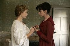 Ch 'Elizabeth spent several minutes demonstrating the model of the townhouses to Anne and describing its features.' This pic - Anna Maxwell Martin and Anne Hathaway in Becoming Jane - play the AUSTEN sisters - 2007 Becoming Jane, Romantic Period, Romantic Films, Jane Austen Movies, Julie Walters, James Mcavoy, Period Dramas, Period Drama Movies, Future Wife