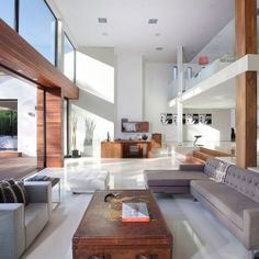 Open Plan Contemporary Home in Beverly Hills.