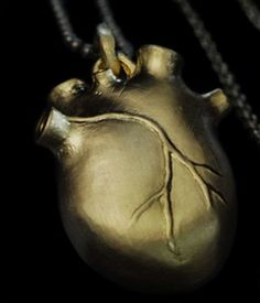 Bjorg heart necklace