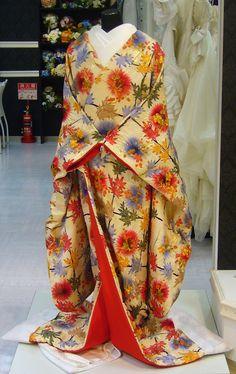 Kimono display - searching for ideas on how to display my antique wedding kimono