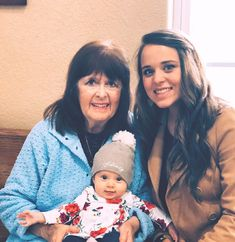 Mary Duggar with her granddaughter Jinger Vuolo with her great Granddaughter Felicity Jinger Duggar, Duggar Girls, Duggar Family Blog, Jeremy Vuolo, Dugger Family, Makeover Before And After, 19 Kids And Counting, Bates Family, John David