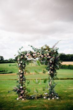 Images by Marianne Chua Photography - English Country Garden Wedding | Jenny Packham Wedding Dress | Outdoor Ceremony | Rustic Styling | Etsy Bridesmaid Dresses | Marianne Chua Photography | http://www.rockmywedding.co.uk/allie-sam/