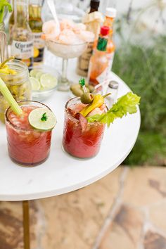 Party Planning: How to Build Your Own Bloody Mary Bar (Lauren Conrad) Cocktail Party Food, Party Food And Drinks, Fun Drinks, Alcoholic Drinks, Beverages, Bloody Mary Bar, Mini Hamburgers, Fancy, Summer Drinks