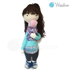 Babywearing Mum / Crochet Doll / Handmade Amigurumi / Amigurumi animal/doll von WoolersPL auf Etsy