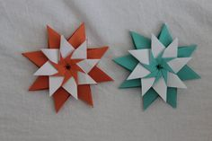 Origami star 'Mandala Carla' by Maria Sinayskaya Difficulty: ★ ★ ☆ ☆ ☆ (Low Intermediate) Submit photos of your Diamond Star here: www. Paper Folding Crafts, Origami Paper Folding, Paper Crafts Origami, Origami Modular, Origami Cards, Origami And Kirigami, Oragami, Origami Decoration, Paper Decorations