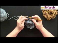 CROCHET : Fleur très simple à 8 petales - YouTube