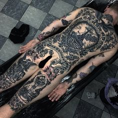 Discover the top 105 best full-body tattoo ideas for men including black/gray and full-color tattoos as well as designs featuring skulls, buddhas and more. Mens Body Tattoos, Body Art Tattoos, Cool Tattoos, Ship Tattoos, Time Tattoos, Back Tattoos, Tattoos For Guys, Incredible Tattoos, Beautiful Tattoos