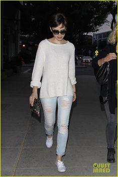 Full Sized Photo of lily collins craigs dinner mom jill errands workout 02 Star Fashion, Boho Fashion, Fashion Outfits, Womens Fashion, Fashion Styles, Sandra Bullock, Sandro, Lily Collins Hair, Autumn Winter Fashion