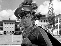 """Studio Head Harry Cohn resisted the idea of casting Montgomery Clift as Prewitt saying """"he was not soldier, no boxer and probably a homosexual."""" Director Fred Zinnemann refused to make the film without him. Montgomery Clift, Candice Bergen, Movie Photo, Movie Stars, Movie Tv, Vivien Leigh, Hollywood Actor, Classic Hollywood, Fred Zinnemann"""