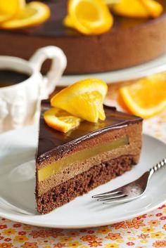 Orange chocolate mousse cake recipe - Recipes tips Fancy Desserts, Sweet Desserts, Just Desserts, Sweet Recipes, Delicious Desserts, Gourmet Desserts, Plated Desserts, Chocolate Mousse Cake, Chocolate Orange