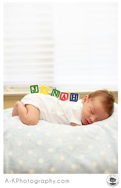 Cute Newborn Photography Blocks Idea