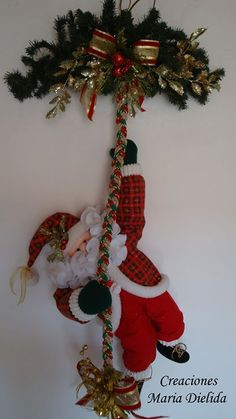 1 million+ Stunning Free Images to Use Anywhere Christmas Door Decorations, Christmas Swags, Xmas Wreaths, Christmas Villages, Christmas Holidays, Christmas Ornaments, Christmas 2017, Christmas Projects, Holiday Crafts